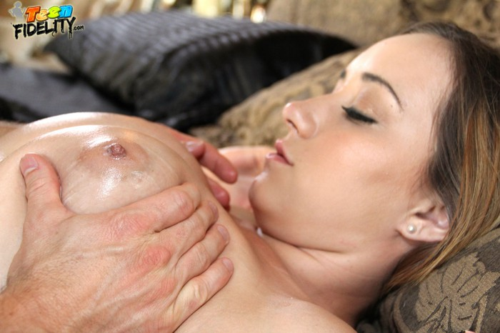 Victoria Rae Oiled Up